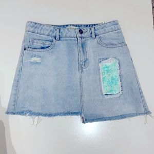 Zara kids denim ripped skirt with sequinned patch